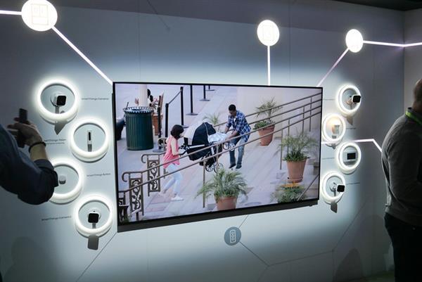 三星QLED 8K电视现身CES:98英寸