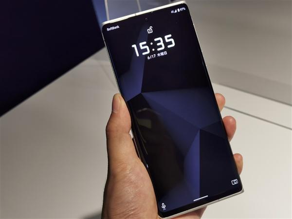 徠卡Leitz Phone 1真機圖曝光:將于7月正式開售截圖